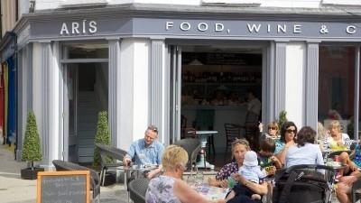 Aris Cafe And Wine Bar