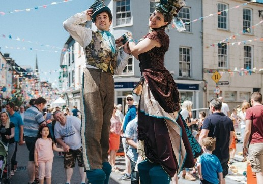 Clonakilty welcomes even greater numbers for the Clonakilty Street Carnival